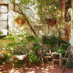entry courtyard in vintage home in Glendale ca