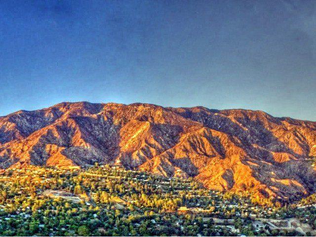 La Crescenta Mountain Views
