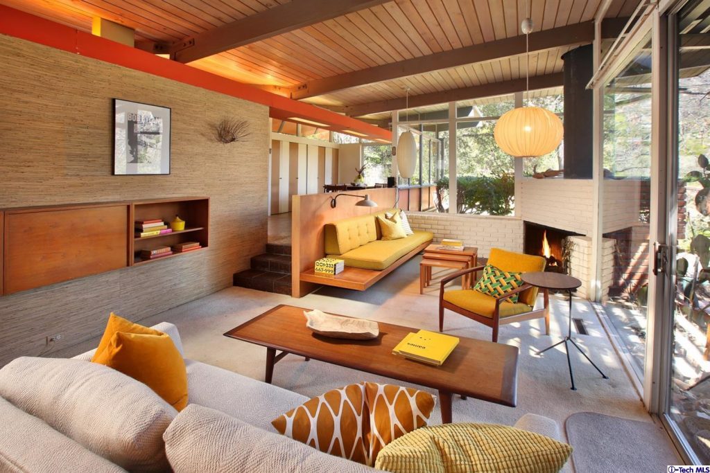 1055 Alta Pine Dr. Living Room